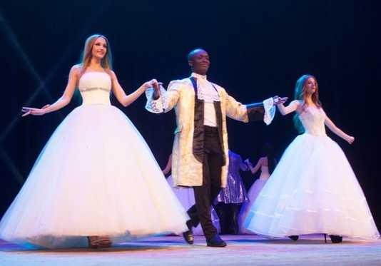 Студентка Наталья Белявцева победила в конкурсе «Мисс Брянск –2015»