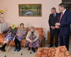 Видные брянские чиновники сдали родных в дом престарелых