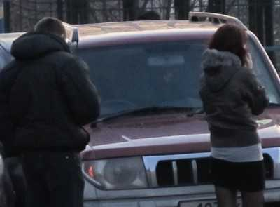 Молодые брянские автомобилистки ломали деревья и сбивали людей