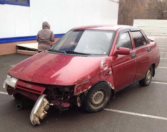 У брянского водителя, заехавшего на чужой машине в «Линию», нет «прав»