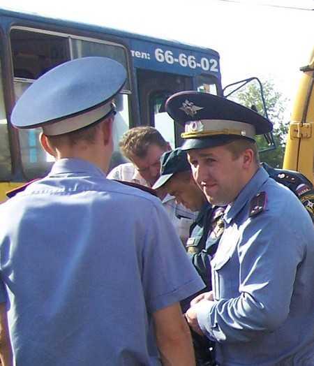 В Брянске на водительницу троллейбуса наехала иномарка