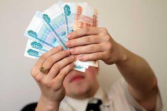 Брянский менеджер похитил у своей фирмы полмиллиона рублей