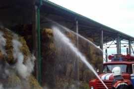 В Брянске сгорели «Газель» и 100 тонн сена