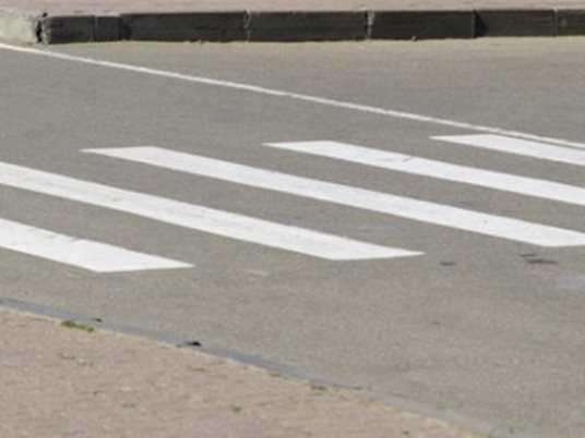 В Брянске  иномарка  на «зебре» покалечила двоих пенсионеров