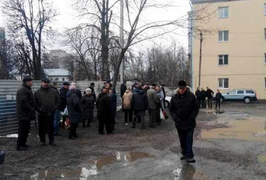 Власти Брянска договорились с горожанами о строительстве дома на Советской