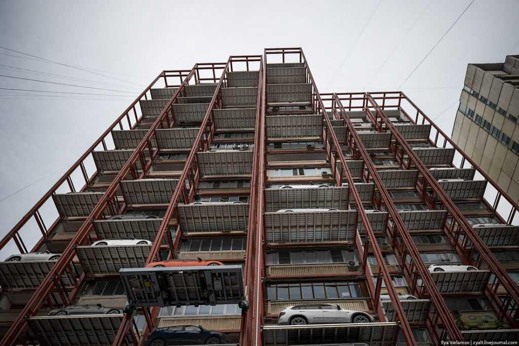 Обещанные Брянску многоэтажные парковки строить некому