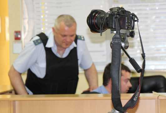 В Советском суде при аресте Денина учинили беззаконие над журналистами