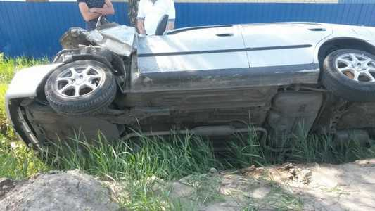 Под Брянском перевернулся автомобиль