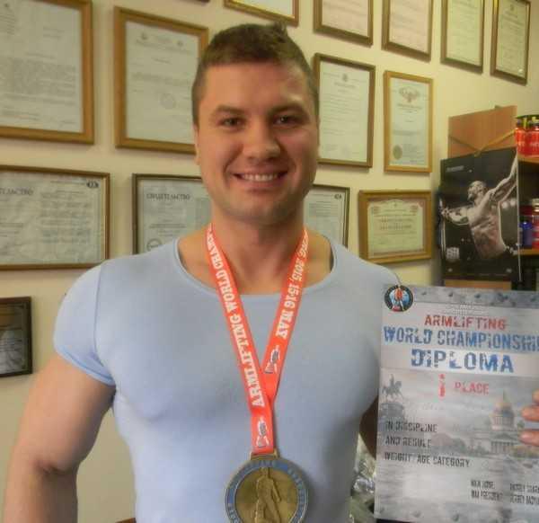 Брянские мастера армлифтинга привезли домой золото и бронзу чемпионата мира
