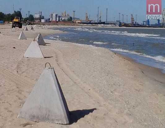 Украинские пляжи превратили в окопы