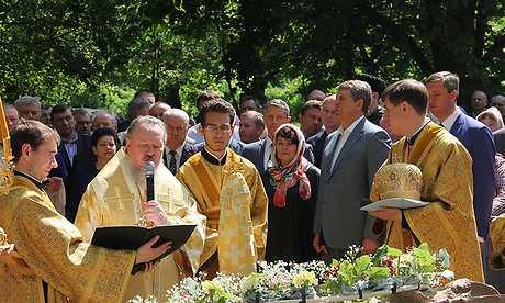 Митрополит Брянский и Севский освятил камень на месте будущего храма в Клинцах