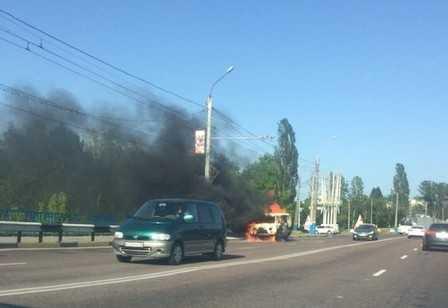 В Брянске около моста сгорела «буханка»