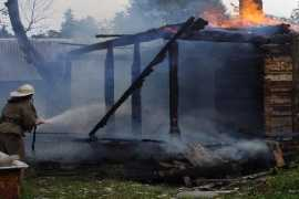 Два дома сгорели в брянском селе