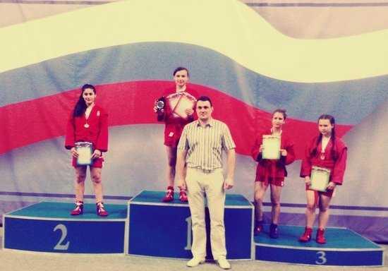 Брянские школьницы вышли в финал Спартакиады по самбо