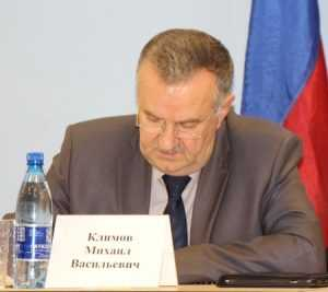 Брянского генерала Климова обвинили в предательстве Денина