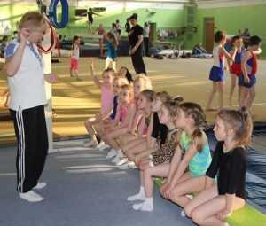 Маленькие брянские гимнасты сдали первые экзамены