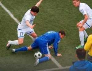 Брянские футболисты закрепились на десятом месте