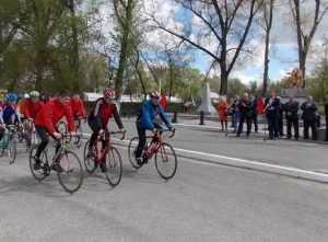 Брянцы провели велопробег в честь военного подвига лыжников и кавалеристов