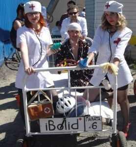 На брянском фестивале тарантасы развили космическую скорость