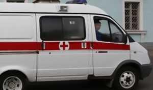 Брянский водитель умер за рулём «Ниссана», въехавшего в остановку