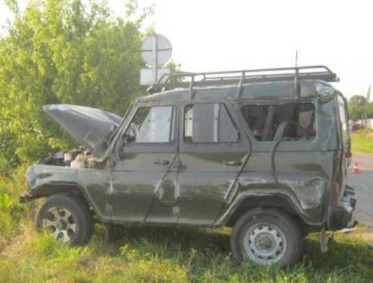Ночью на трассе разбился «УАЗ» с юными брянцами