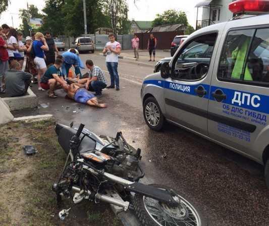 Брянский мотоциклист отправил в нокаут пешехода