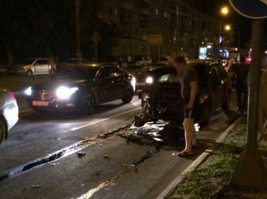 Вечером в Брянске при столкновении автомобилей пострадал пассажир