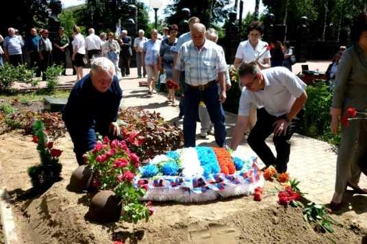 В брянском посёлке Навля похоронили девятерых неизвестных бойцов