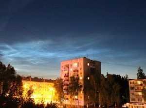 Брянск осветило серебристыми облаками