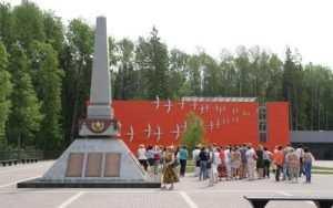 На партизанских тропах Брянщины первыми туристами стали чиновники