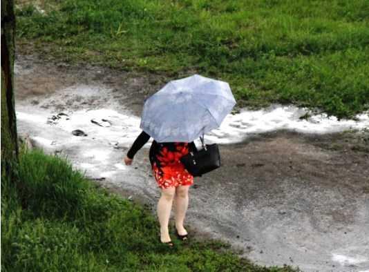 На Брянск обрушится ливень с грозой и градом