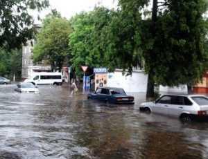 Улицам Брянска угрожает подтопление из-за ливней