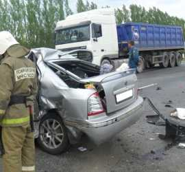 Под Воронежем в ДТП погибла брянская женщина, двухлетняя девочка ранена