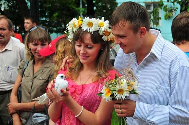 День семьи и верности в Брянске отметят весёлой фотосессией