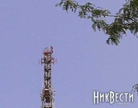 В Николаеве подняли флаг Новороссии и заминировали телебашню