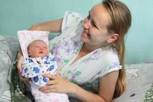В День семьи, любви и верности в Брянске родились 15 малышей