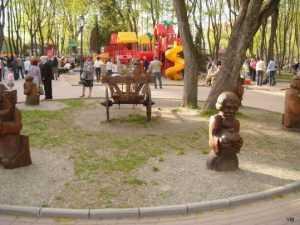 В брянском парке пройдут вечера танцев и киносеанс под открытым небом