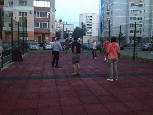 В Брянске открылась первая «советская» спортивная площадка