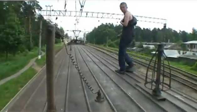 Подростку выплатят 300 тысяч за удар током на станции Брянск — I