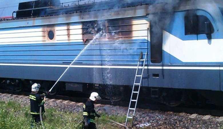 Под Брянском сгорел локомотив