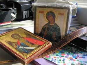 Полиция вернула брянской пенсионерке похищенные  иконы