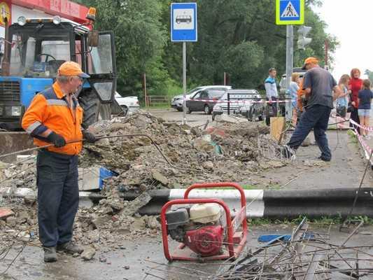 В Мичуринском Брянского района рухнула автобусная остановка
