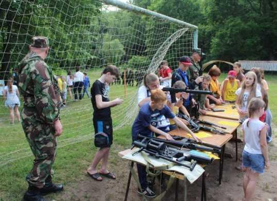 В детском лагере побывал брянский спецназ