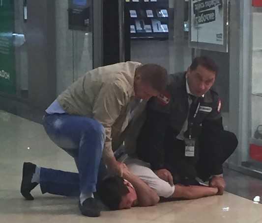 В брянском «Аэропарке» охрана уложила посетителей на пол