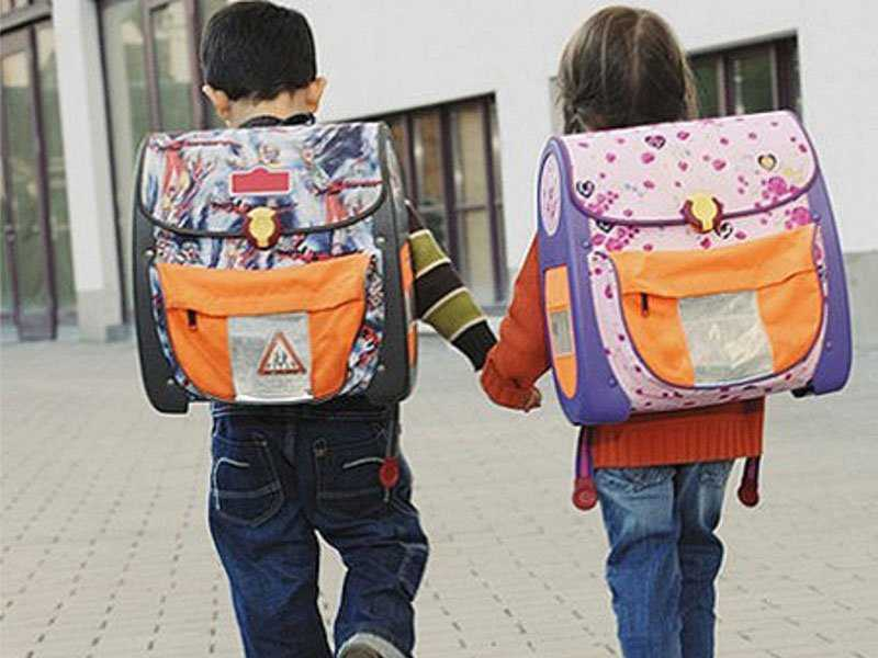 Добровольцы соберут в школу брянских детей
