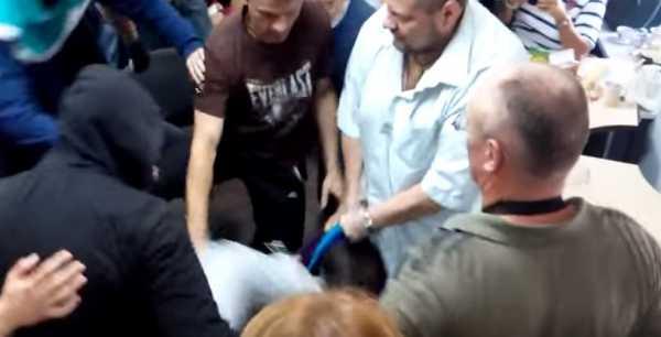 Соратники Ляшко устроили потасовку в Чернигове