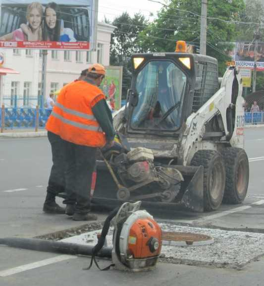 Из администрации Брянска уволен чиновник, завышавший дорожные сметы