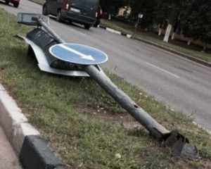 Брянский светофор упал из-за сильных ливней
