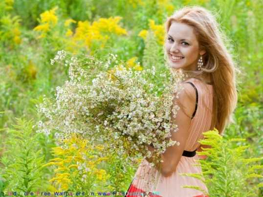 Брянских дам пригласили на праздник женственности и цветов