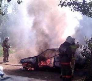 В брянском райцентре сгорела «десятка»